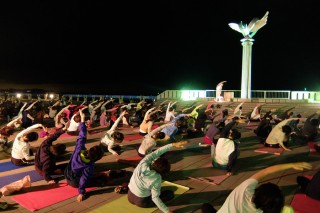 14.10.8皆既月食 MOONLIGHT & SUNRISE YOGA 2014 in ATAMI⑦