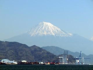 13.4.12清水港から見る富士山