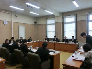 14.4.17家庭教育支援条例検討委員会①